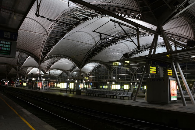 Leuven by night Train station