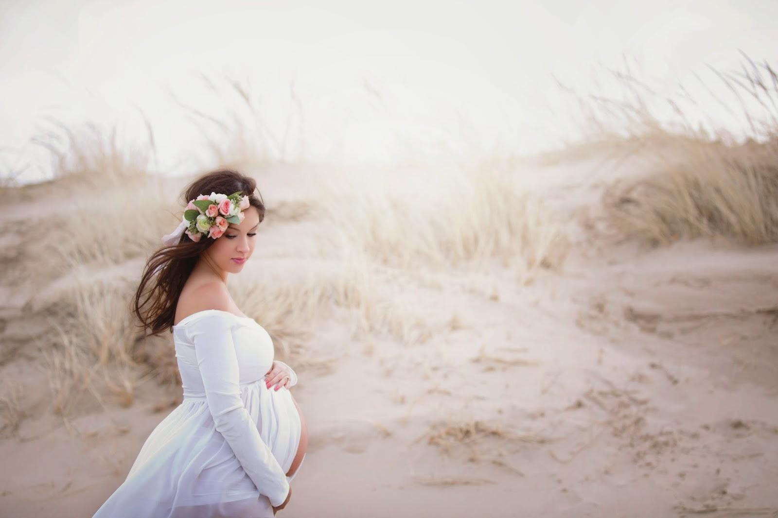 0b6623061a Love Greyson   Winter Beauty  Maternity Shoot