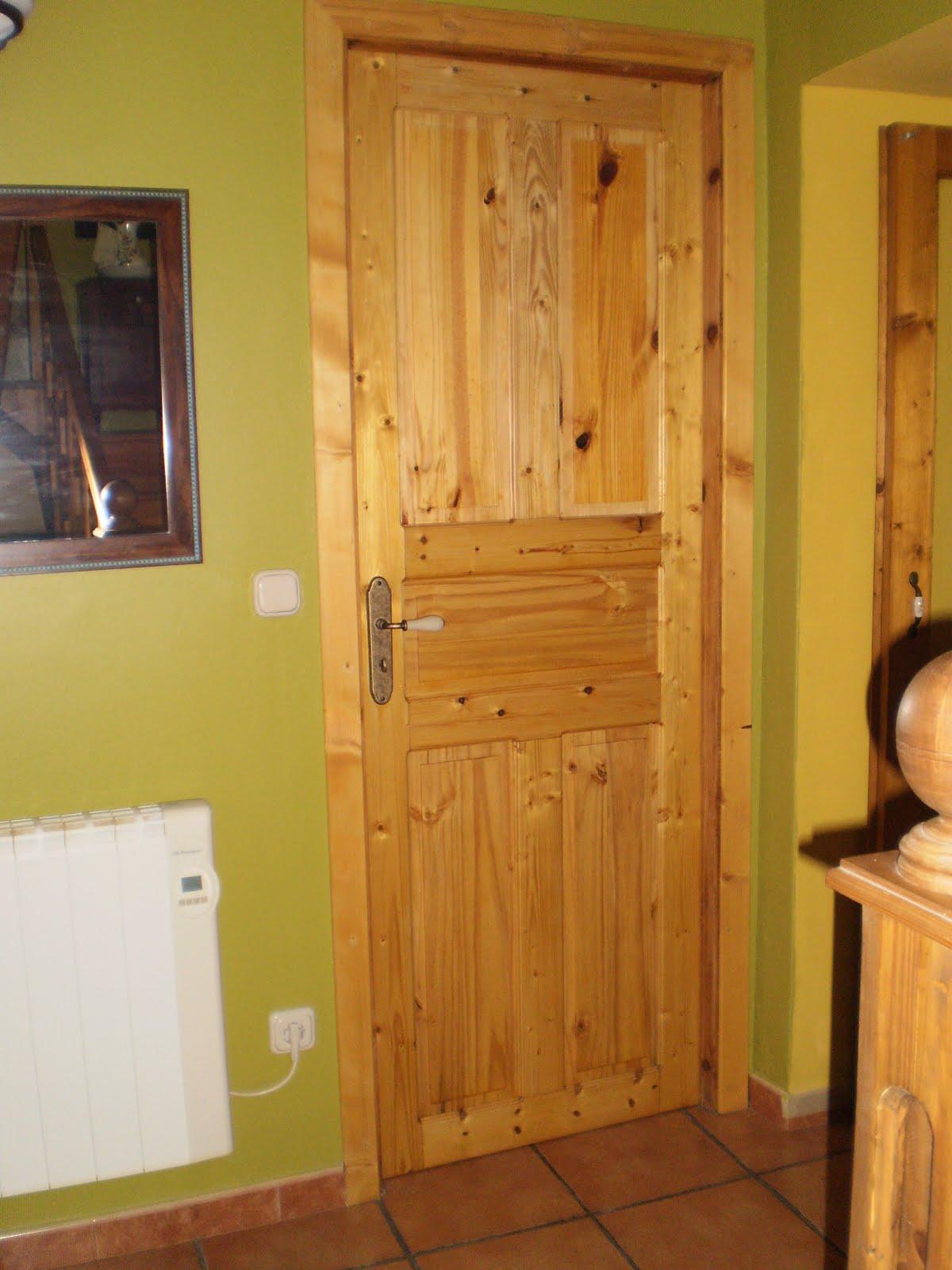 Madera puerta interior en madera de pino - Puertas de pino ...