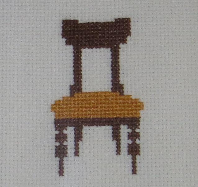 Ampliação de Fotografia macro de Cadeiras em Bordado de Ponto Cruz com moldura