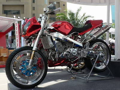 Modifikasi Honda CBR 150R Streetfigter Racing Bike.jpg