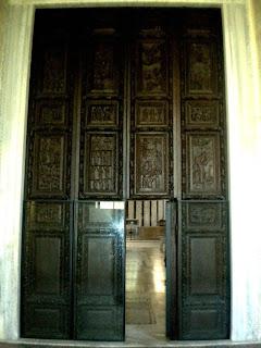 Il portale ligneo di Santa Sabina