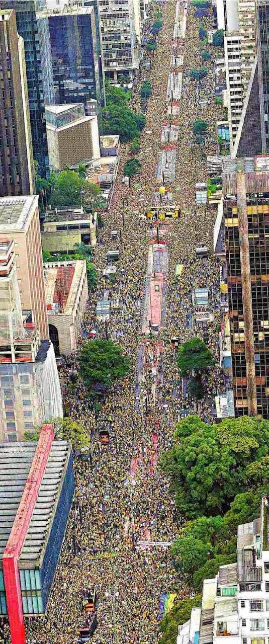 Na Avenida Paulista, 15 de março 2015.