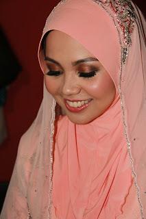 solekan nikah natural Amna Faisal guna produk MAC kryolan Elise False Lashes