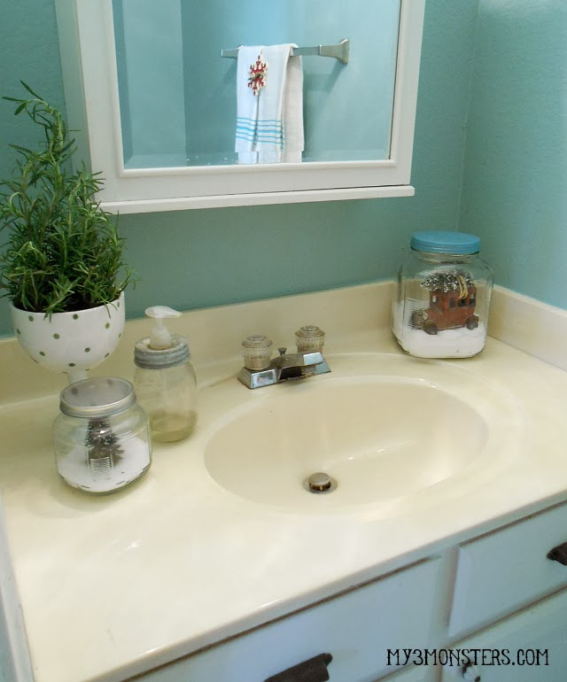 Gussying Up the Guest Bathroom for the Holidays at my3monsters.com
