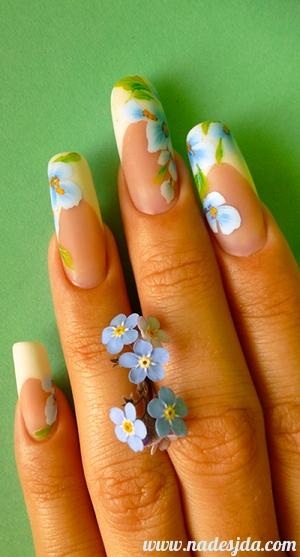 Nail art - Comme un mouvement de Myosotis...