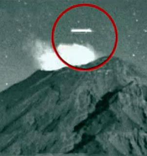 Nuevo avistamiento de un ovni cilíndrico sobre el volcán Popocatépetl, febrero 2013