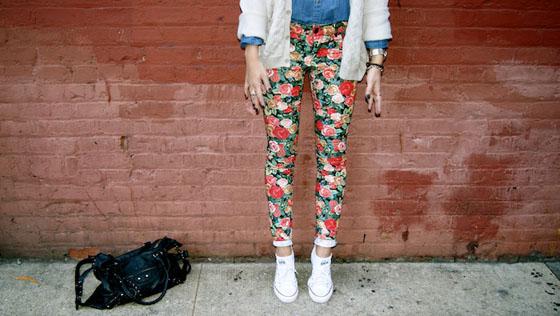 Moda calça estampada floral