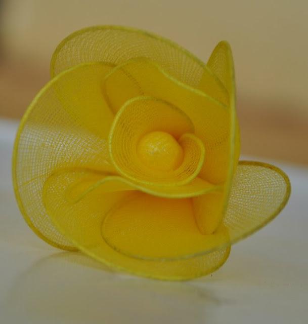 Cặp đôi hoàn hảo 2011 lam%2Bhoa%2Bhong%2Bvai%2Bvoan%2B06 Hướng dẫn làm hoa hồng bằng vải voan cực đẹp