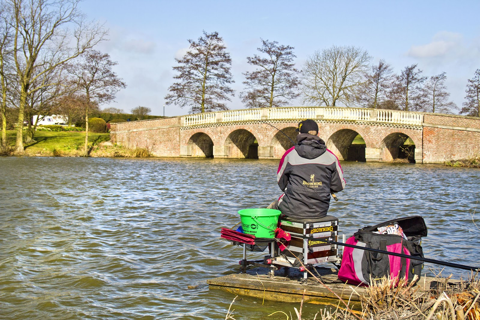 fishing at sessay Game, set and match if you're a serious angling aficionado, the oaks lakes caravan park at sessay in north yorkshire is just the ticket: it's adjacent to a whopping ten match and pleasure lakes making up one of the best-known coarse fisheries in the north.