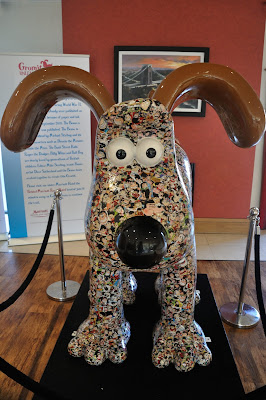 Gnashional Gromit (front view)