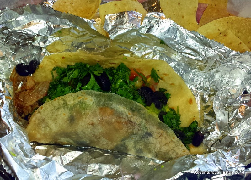Willy's sinoloa chicken taco
