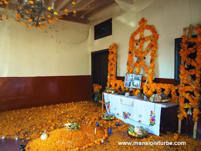 Ofrenda de Día de Muertos en Pátzcuaro