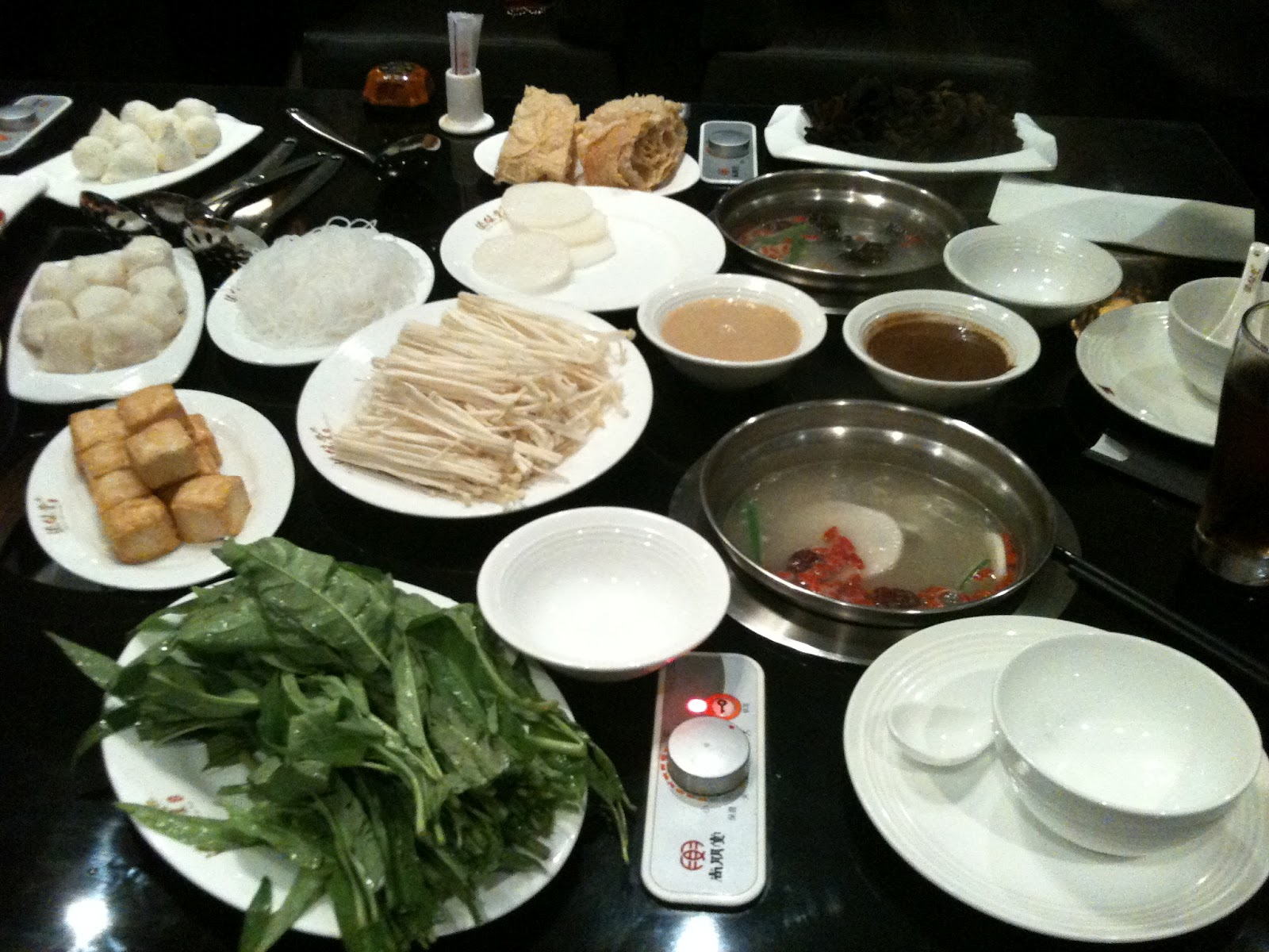 Flavour town hot pot chrissy 39 s chow down for Fish ball with roe