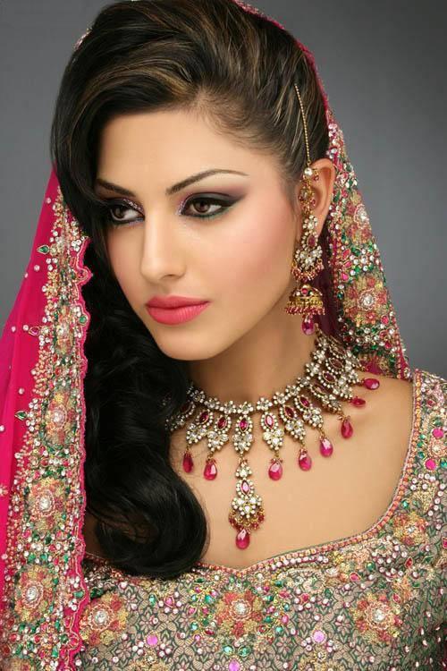 Exotic Wedding Makeup : India Make Up Style
