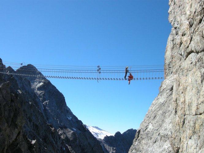 Sulle strade del mondo il travel blog di simonetta clucher for Garage con ponte in cima