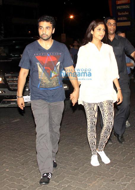 Shilpa Shetty & Raj Kundra walk to Siddhivinayak Temple