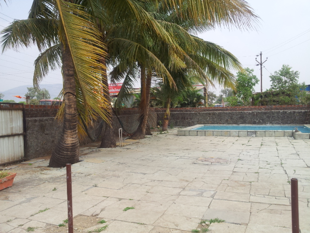 Best bungalow for on hire rent in lonavala for Bunglows on rent in lonavala with swimming pool