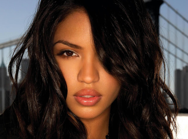 Hot Pictures of Cassie
