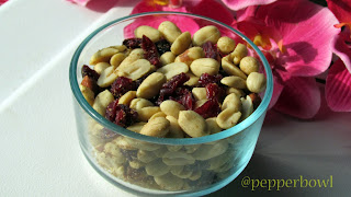Baked-Peanuts-with-Dried-Cranberries