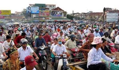 traffic jam in phnom penh