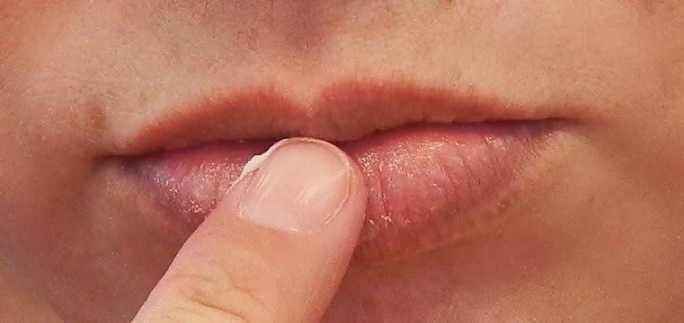 lip exfoliation step 1