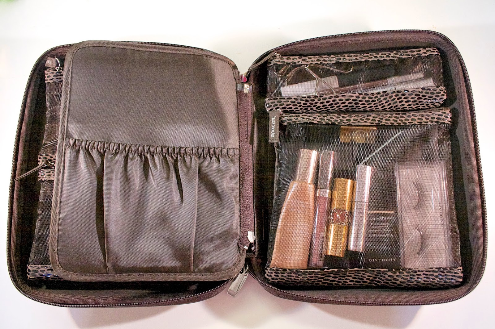 For Years I Ve Been Searching A Way To Organize My Makeup Travel Despise The Idea Of Massive Bag Where Products Are Allowed Just