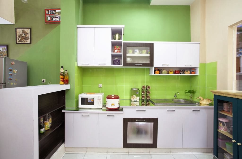Perlengkapan dapur holidays oo for Model kitchen set sederhana