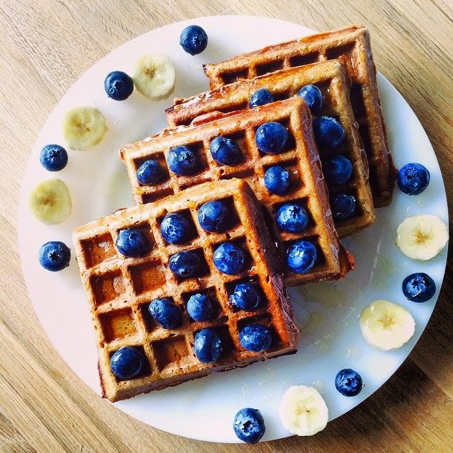 Homemade Healthy Chia Seeds & Applesauce Spelt Waffles Recipe