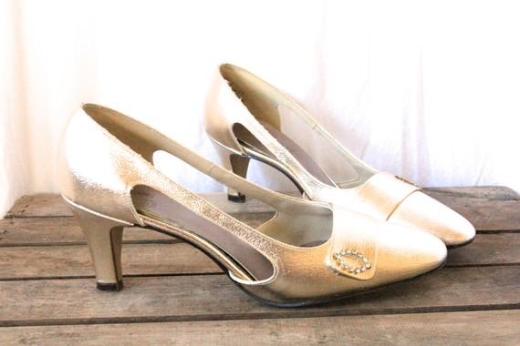 ladies's get dressed shoes near me