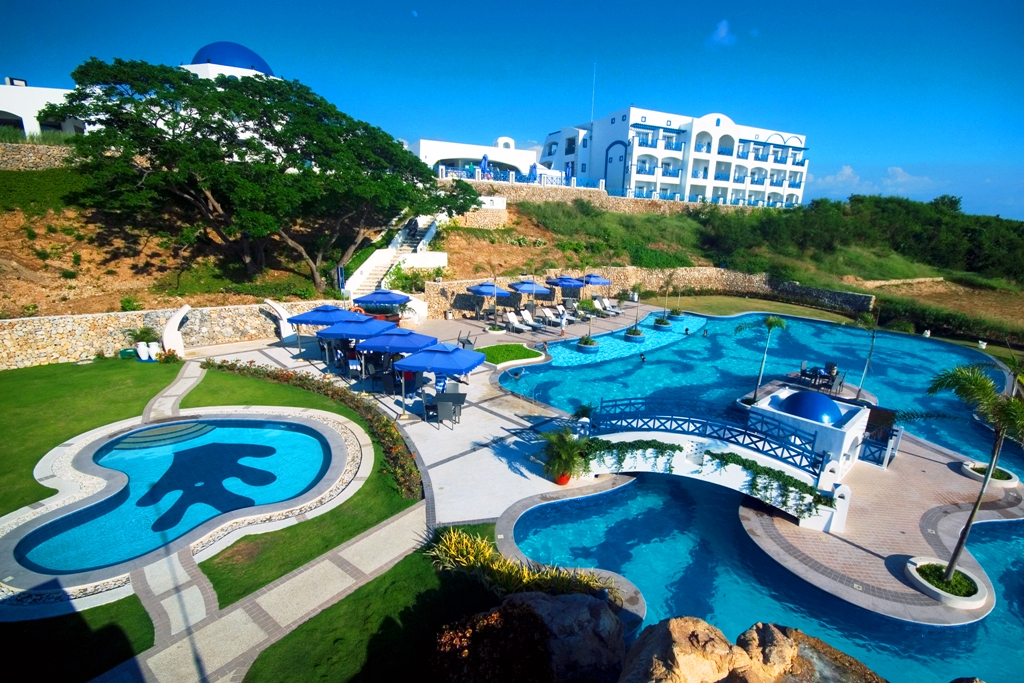 Beach Resorts In La Union With Infinity Pool