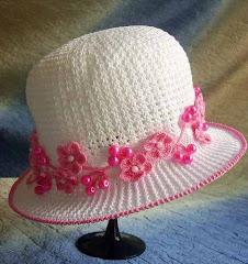 Horgolt kalapok BEBE ÖGRÜ-től