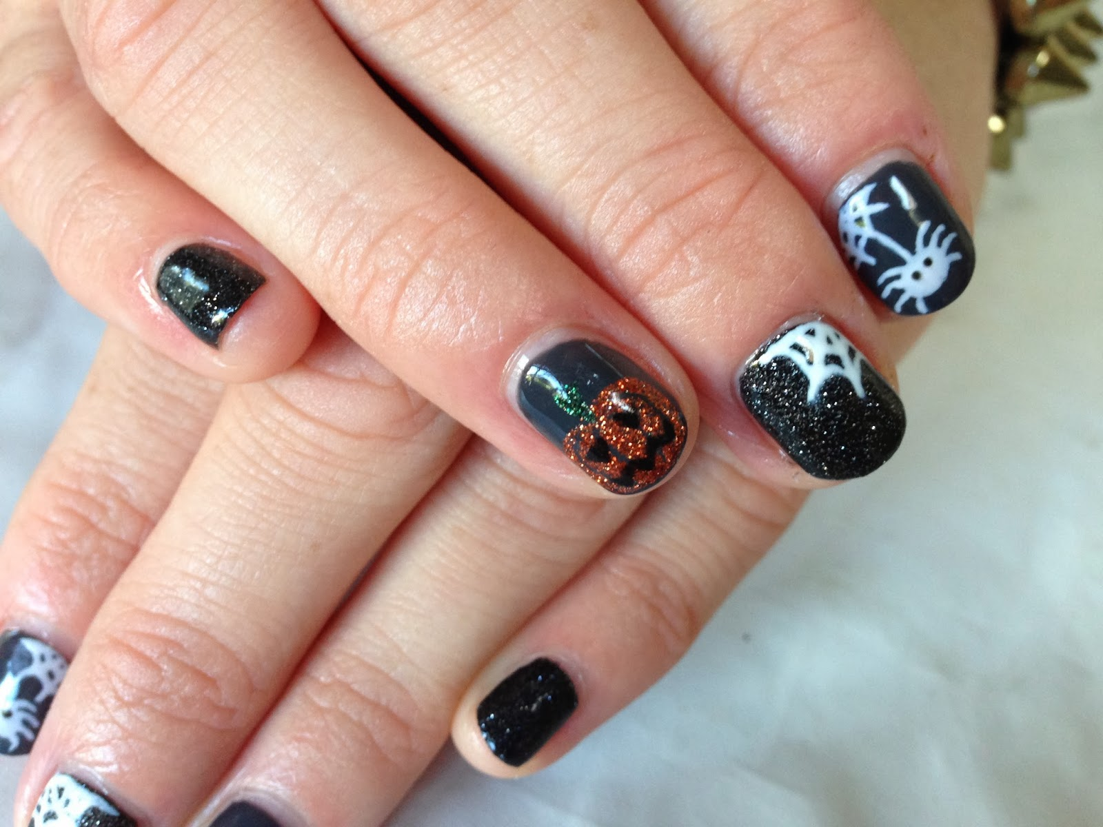 Brush up and Polish up!: CND Shellac Nail Art - Halloween Mix