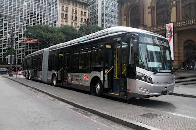 Novo ônibus São Paulo com tomada Carregar Celular