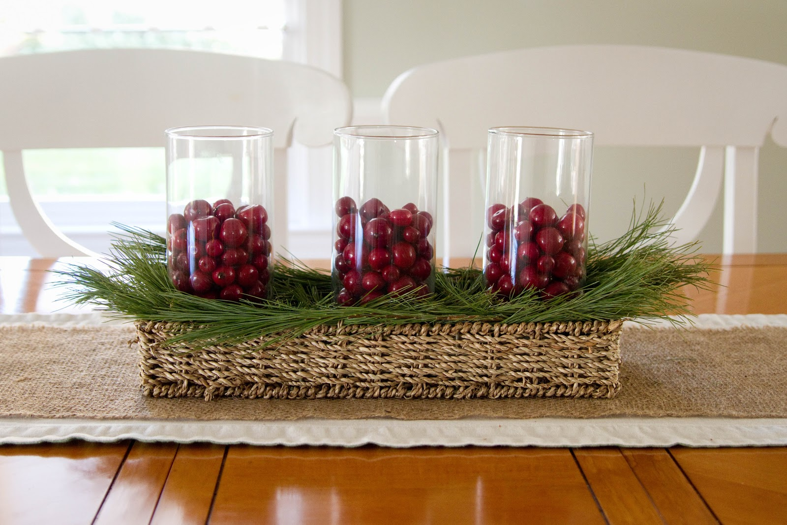 Little bits of home sweet and simple christmas centerpiece for Table centerpiece ideas for home