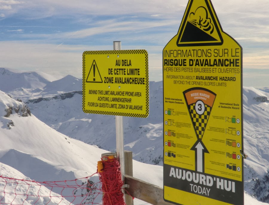 Avalanche risk sign at Auron