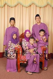 Abang Pertama dan Kakak Ipar bersama 4 orang anaknya