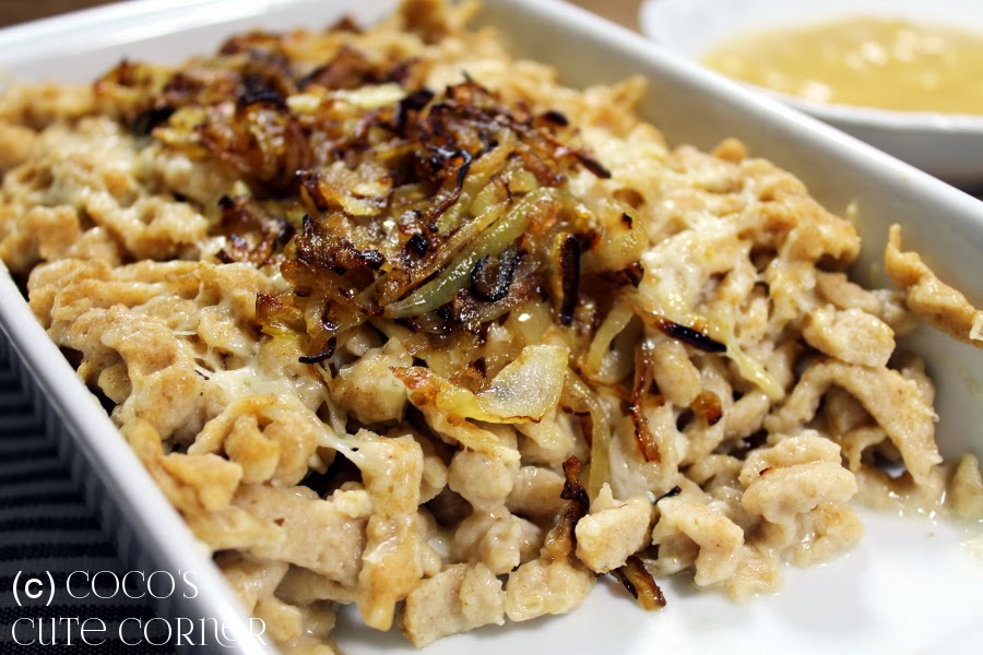 Quark Spaetzle with Cheese and Caramelized Onions