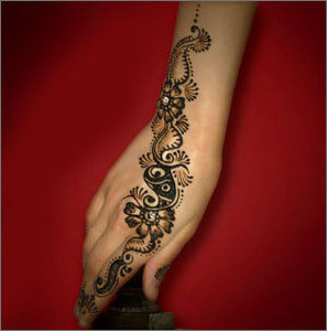 Simple mehndi designs for girls female oke tips beauty tips for Pakistani simple house designs