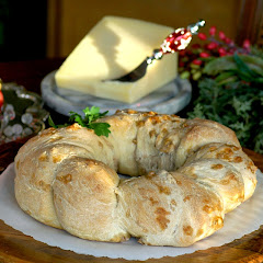 Danish Walnut Wreath Bread