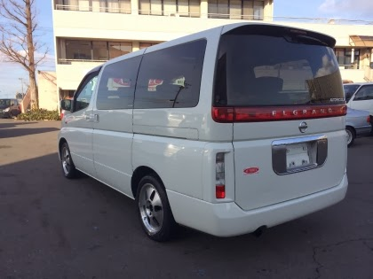 Nissan Elgrand sold to UK