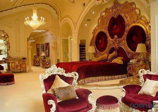 Awesome Italian Royal Bedroom Furniture Set