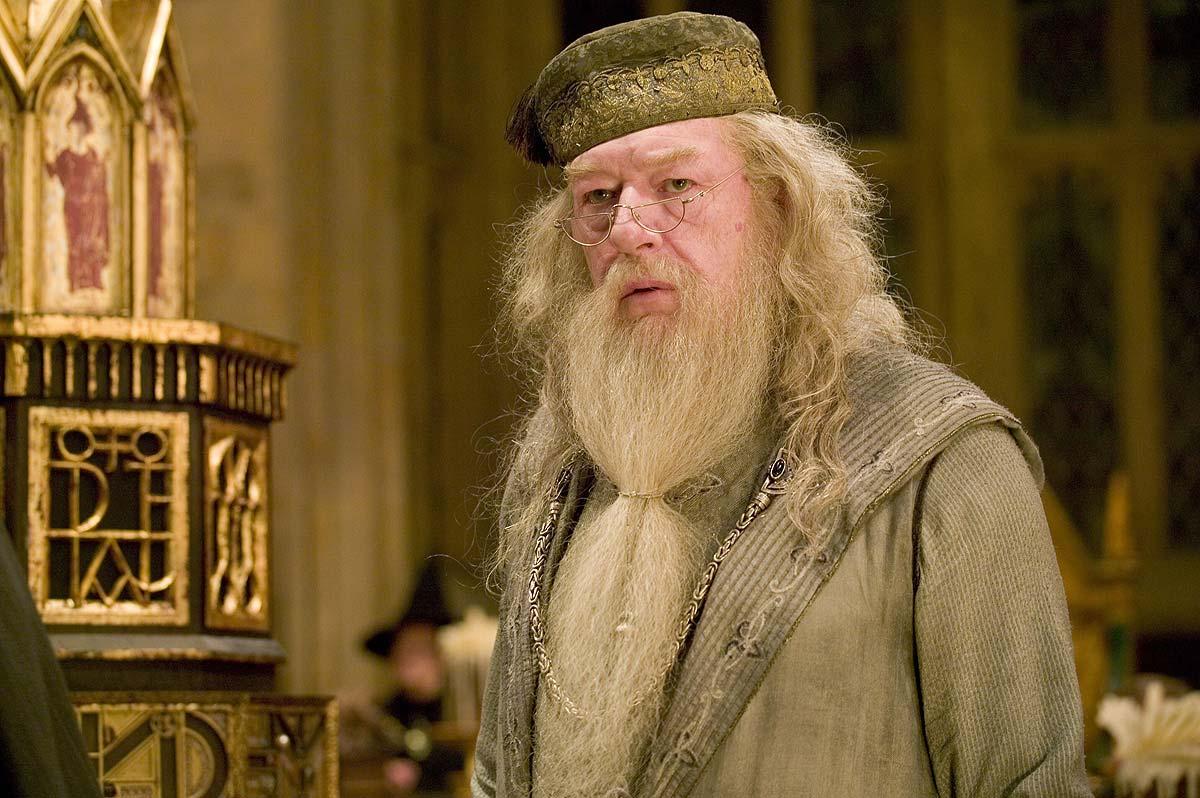 http://4.bp.blogspot.com/-9aqIWdT46AA/TiDnw1OedjI/AAAAAAAAARk/VdCzSPd0rmM/s1600/dumbledore.jpg
