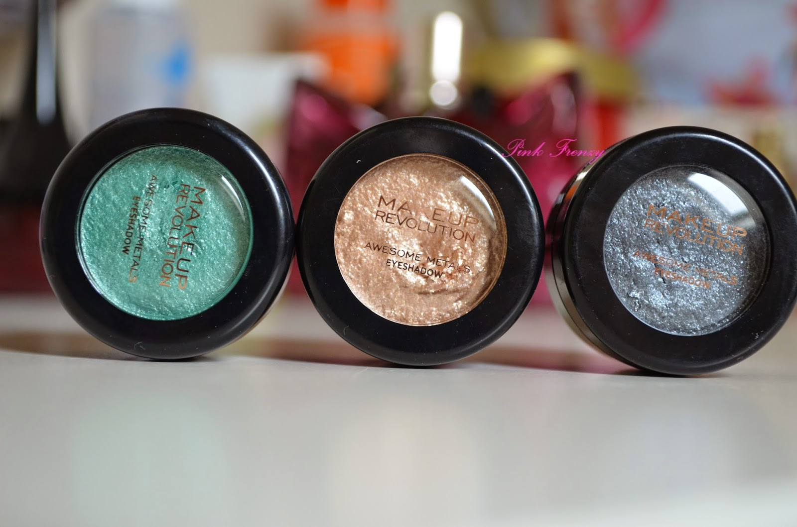 Review: Makeup Revolution Awesome Metals Eyeshadow ~ Pink Frenzy
