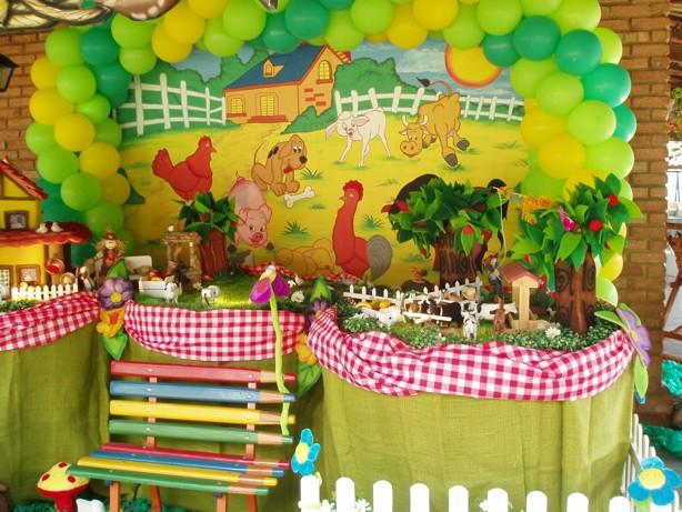 Decoracion Infantil De Granja ~ Coloque uma mesa r?stica de madeira e encha de doces, vai ficar bem