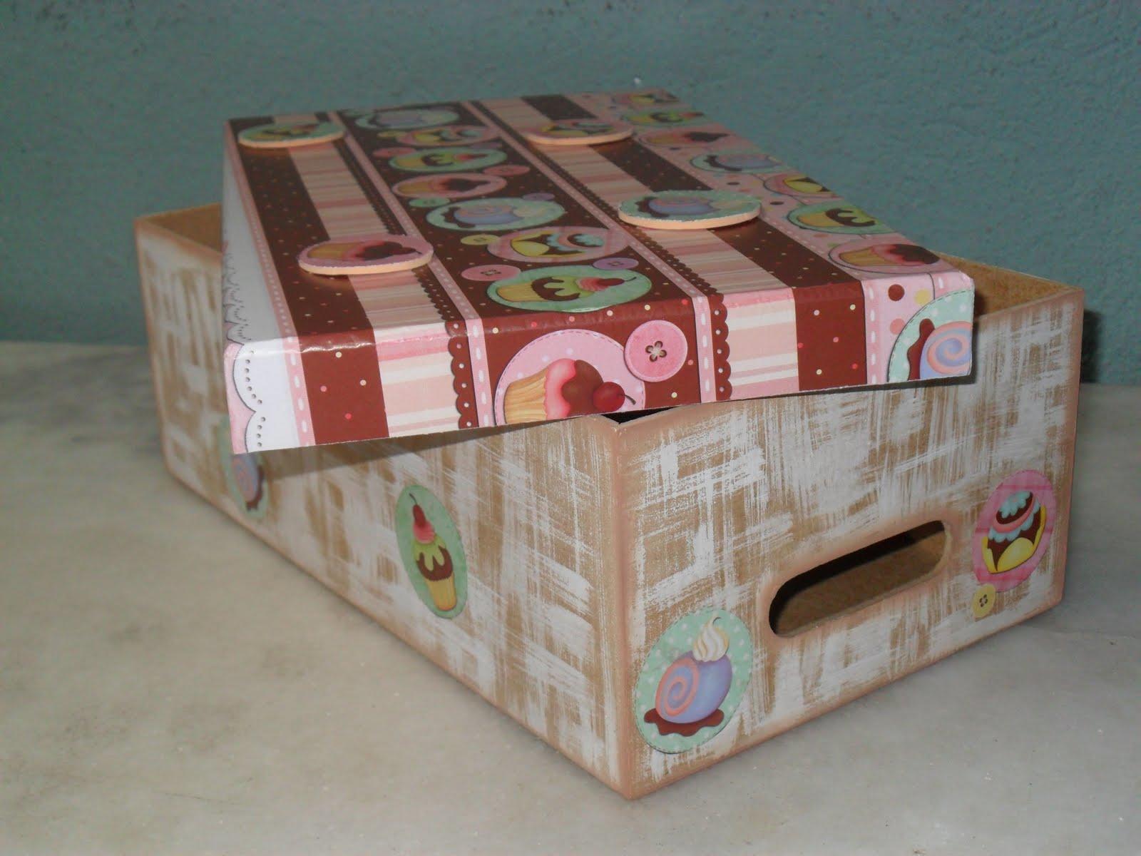 Emanuelle Rosa Biscuit: Caixas de madeira decoradas II #764136 1600x1200