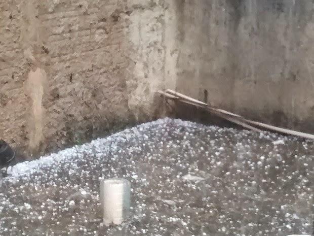 pedras para jardim em sorocaba: DE VOTORANTIM: Chuva de granizo atinge bairros de Sorocaba e