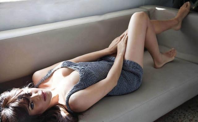 Jacqueline Fernandez Hot Pics, Jacqueline Fernandez Spicy Photos, Jacqueline Fernandez Sexy Stills