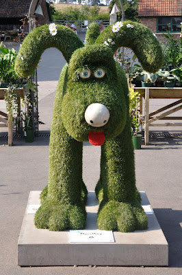 Oops a Daisy Gromit (front view)