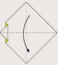 Bước 4: Gấp đôi tờ giấy lại theo chiều từ trên xuống dưới.